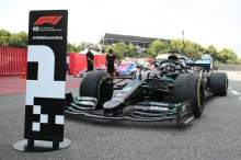 Hamilton piles pressure on Pirelli for better F1 tyres