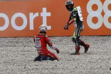 Andrea Dovizioso Johann Zarco after crash, Catalunya MotoGP. 27 September 2020