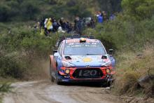 Neuville leads Hyundai 1-2, Ogier sneaks on to podium