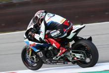 Sykes secures first BMW WorldSBK pole since 2010, Hickman fourth