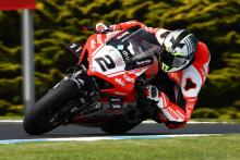 Leon Camier forced out of WorldSBK opener