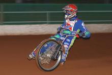 Somerset edged out by Kings Lynn.
