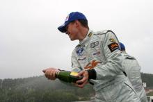 van der Merwe takes British F3 crown.