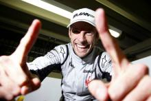 Button helps 'Smithy' to launch BBC Sport Relief