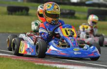 Harvey tightens Comer grip at Rowrah.