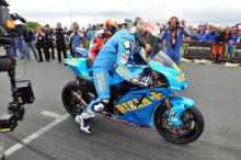 Donald hits 202mph on Rizla Suzuki at TT
