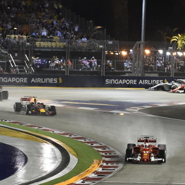 Singapore Airlines extends F1 race title sponsorship