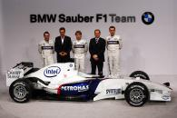 Jacques Villeneuve, Dr Mario Theissen, Nick Heidfeld, Willy Rampf, and Robert Kubica at the BMW Sau