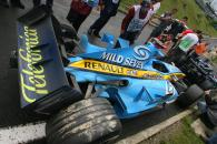 06.08.2006 Budapest, Hungary, Crash damaged car of Fernando Alonso (ESP), Renault F1 Team, R26 - For