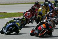 Barros leads on lap one, Malaysian MotoGP Race 2004
