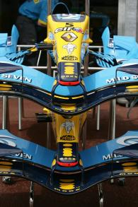Renault front wing detail