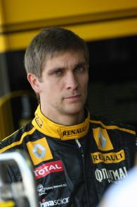 Friday Practice 1, Vitaly Petrov (RUS), Renault F1 Team, R30