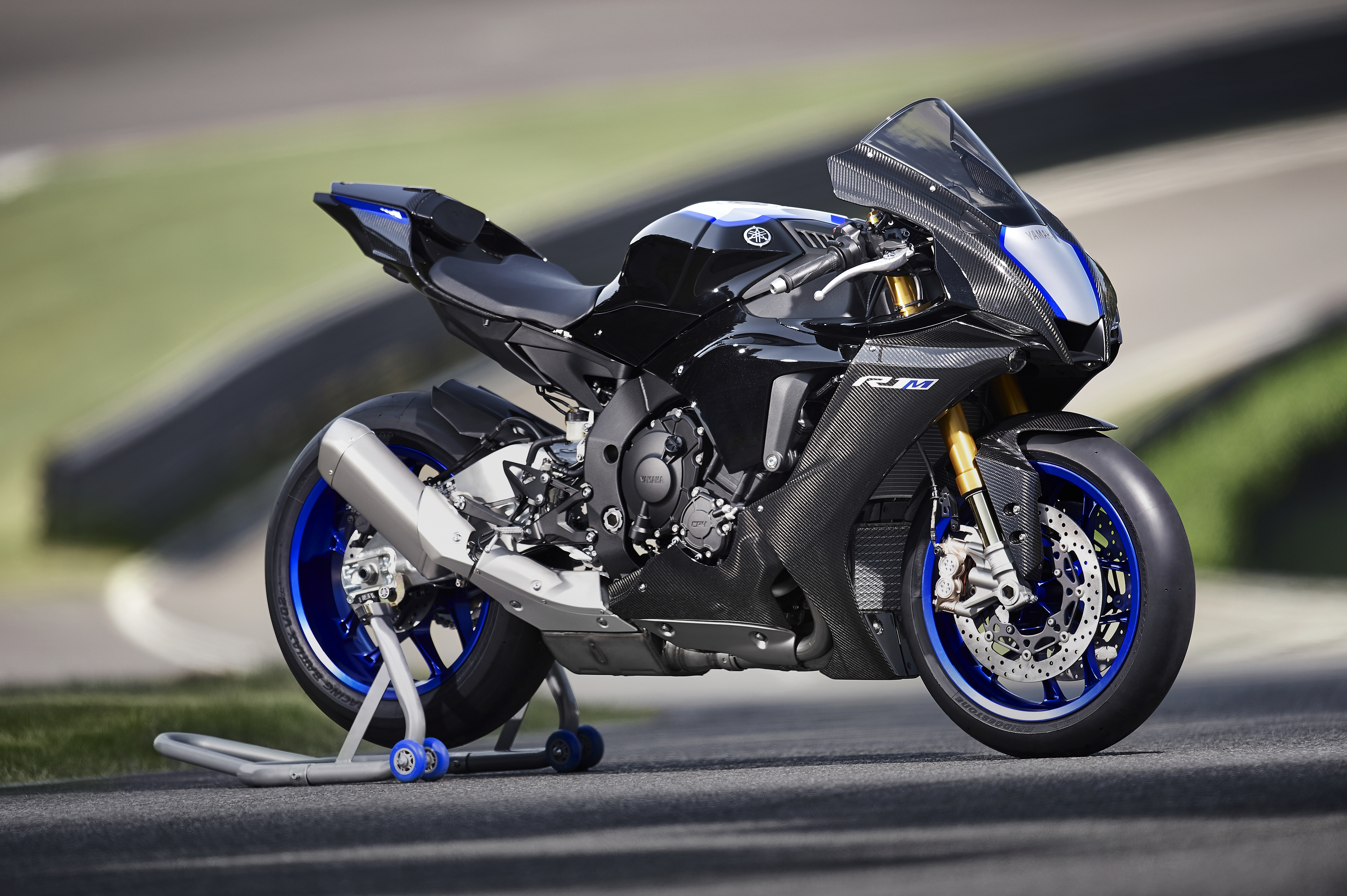 2020 Yamaha R1 And R1m O A Superbike For The Masses Visordown