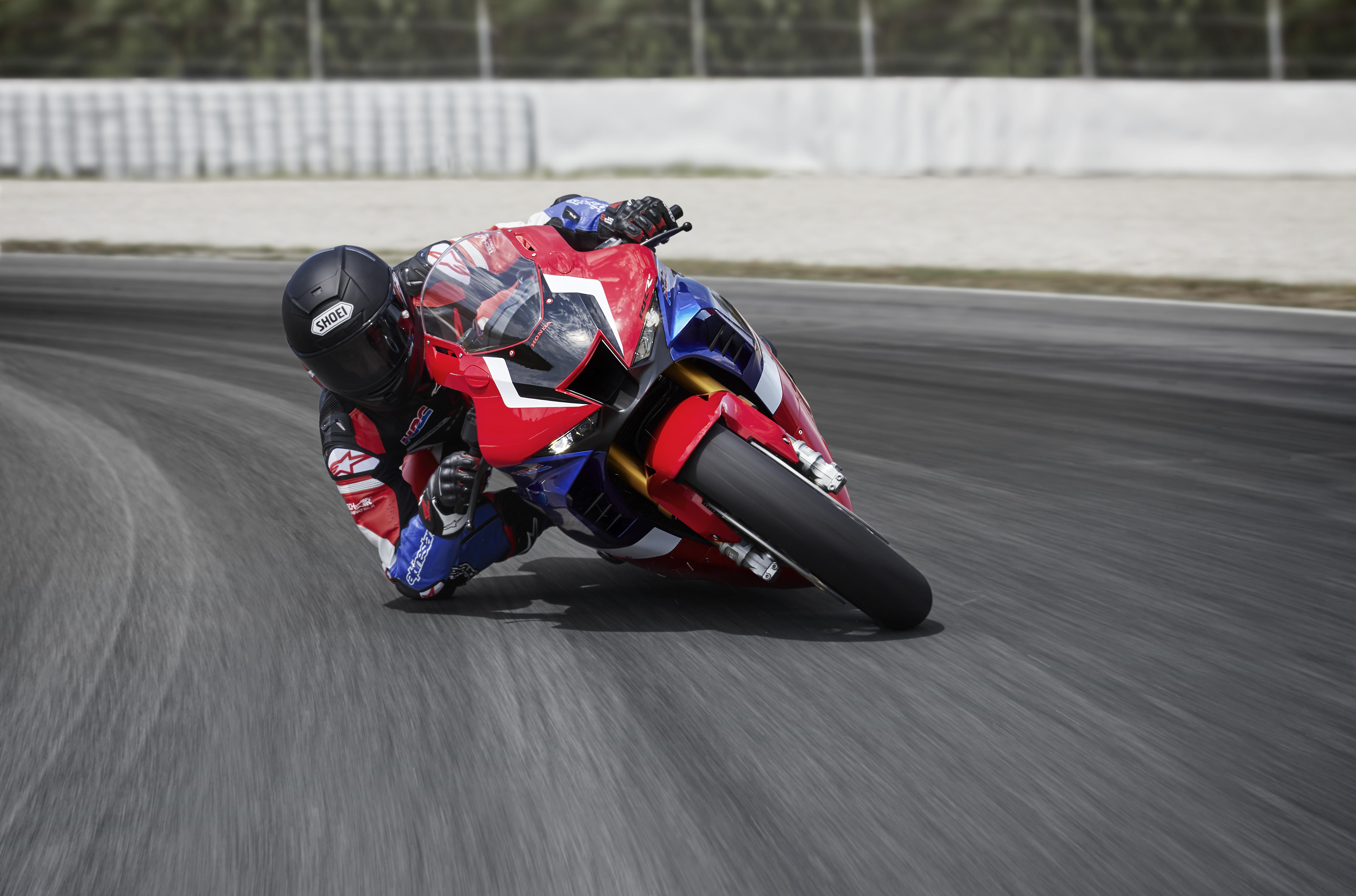 Watch Marc Marquez Put 2020 Honda Cbr1000rr R Fireblade Visordown