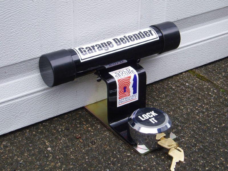 PJB GARAGE DOOR DEFENDER FOR UP AND OVER  DOOR SECURITY COMES WITH PADLOCK