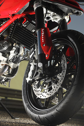 Ducati Hypermotard 1100 Evo First Ride Review Visordown