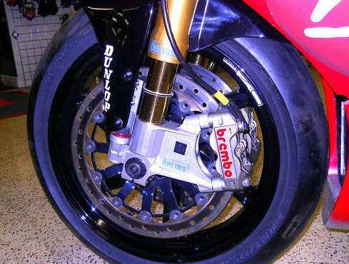Ultimate Trackbike 4: Hizzy's 2003 BSB R1