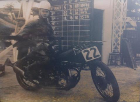 Museum seeks to trace racer's family