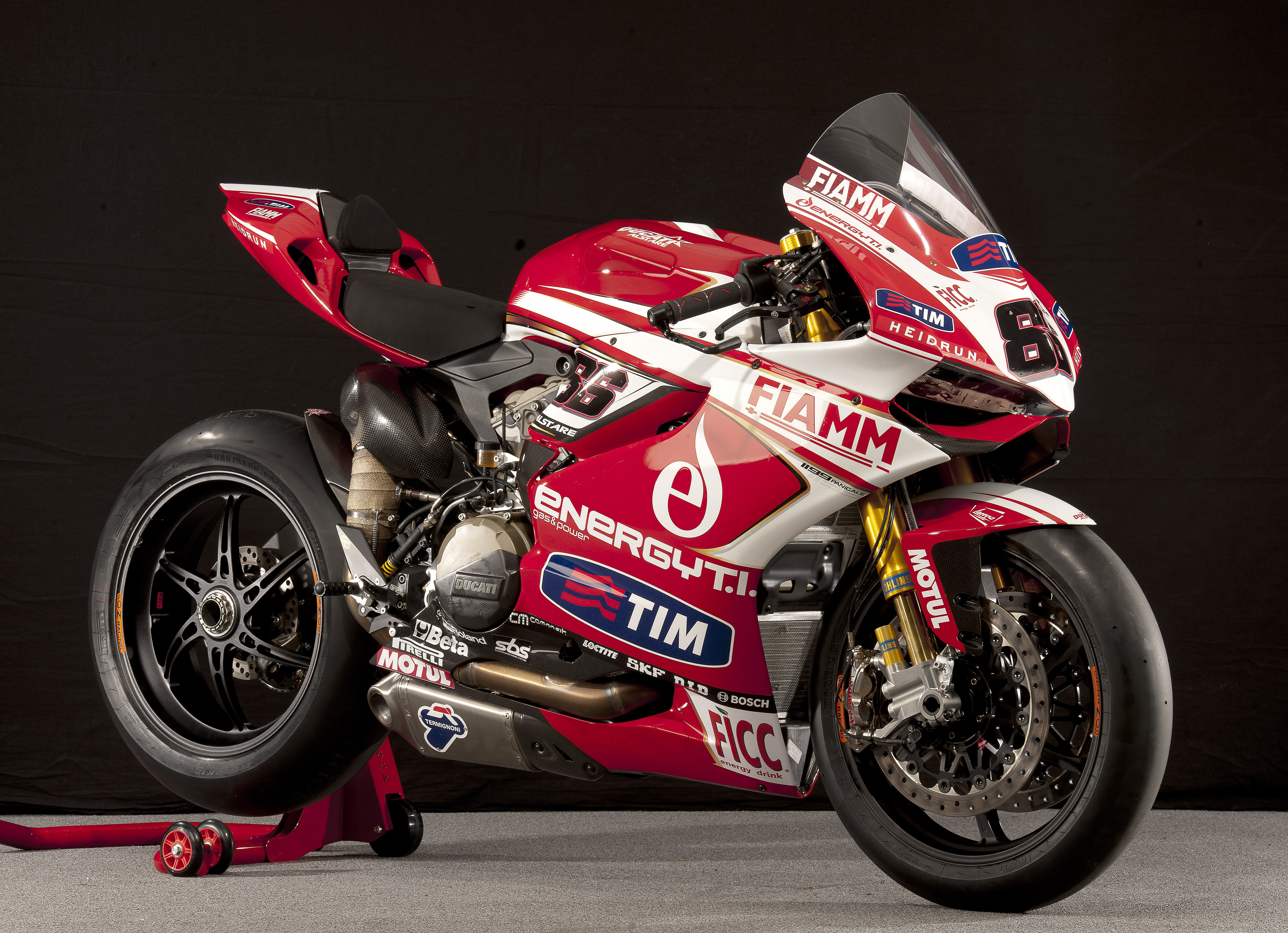 Ducati hosts exclusive Donington track day