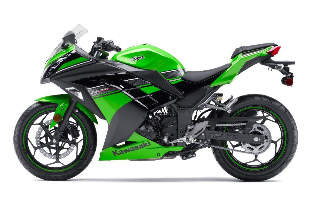 Versus: Kawasaki Ninja 300 vs KTM 200 Duke