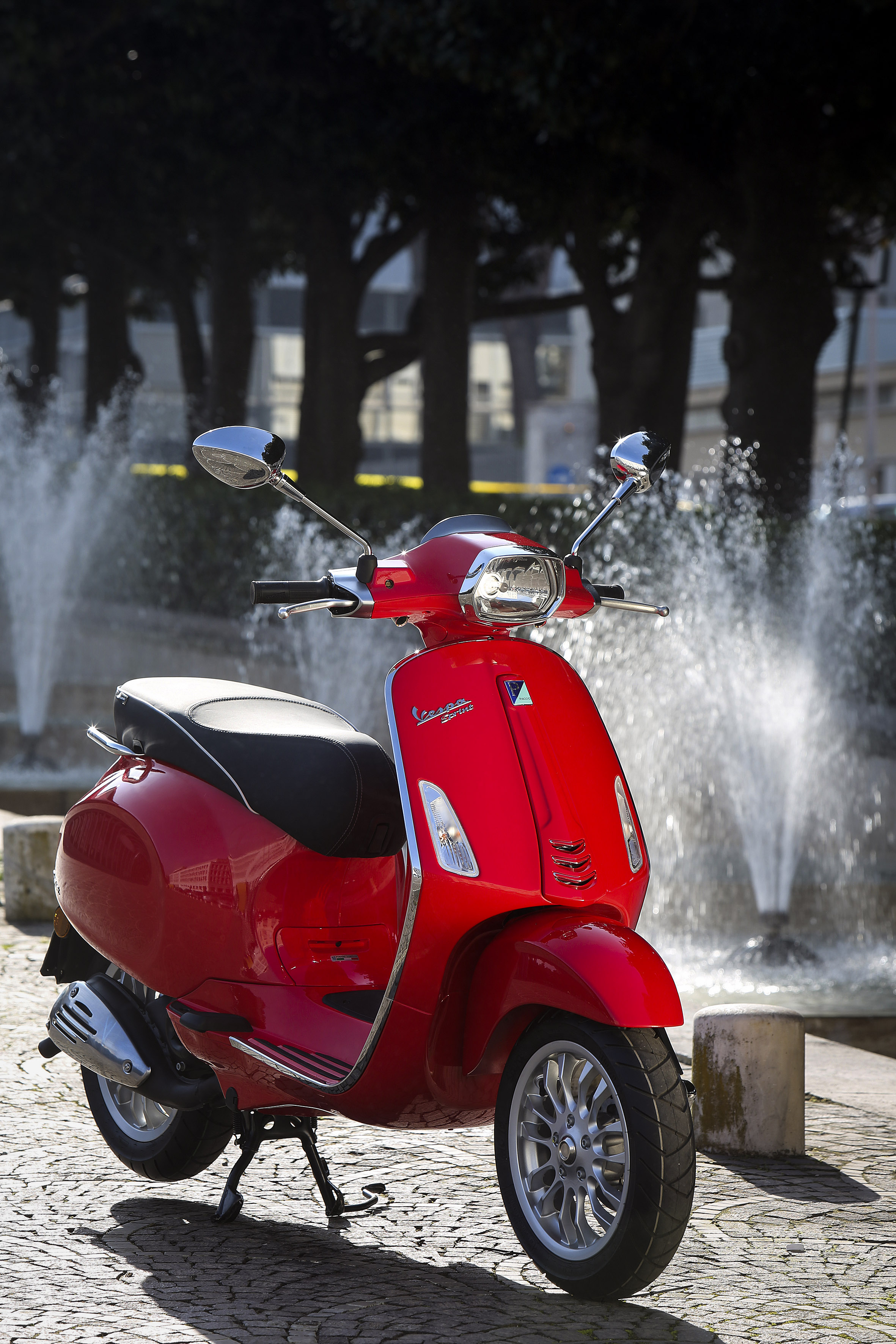 First ride: 2014 Vespa Sprint 125 review