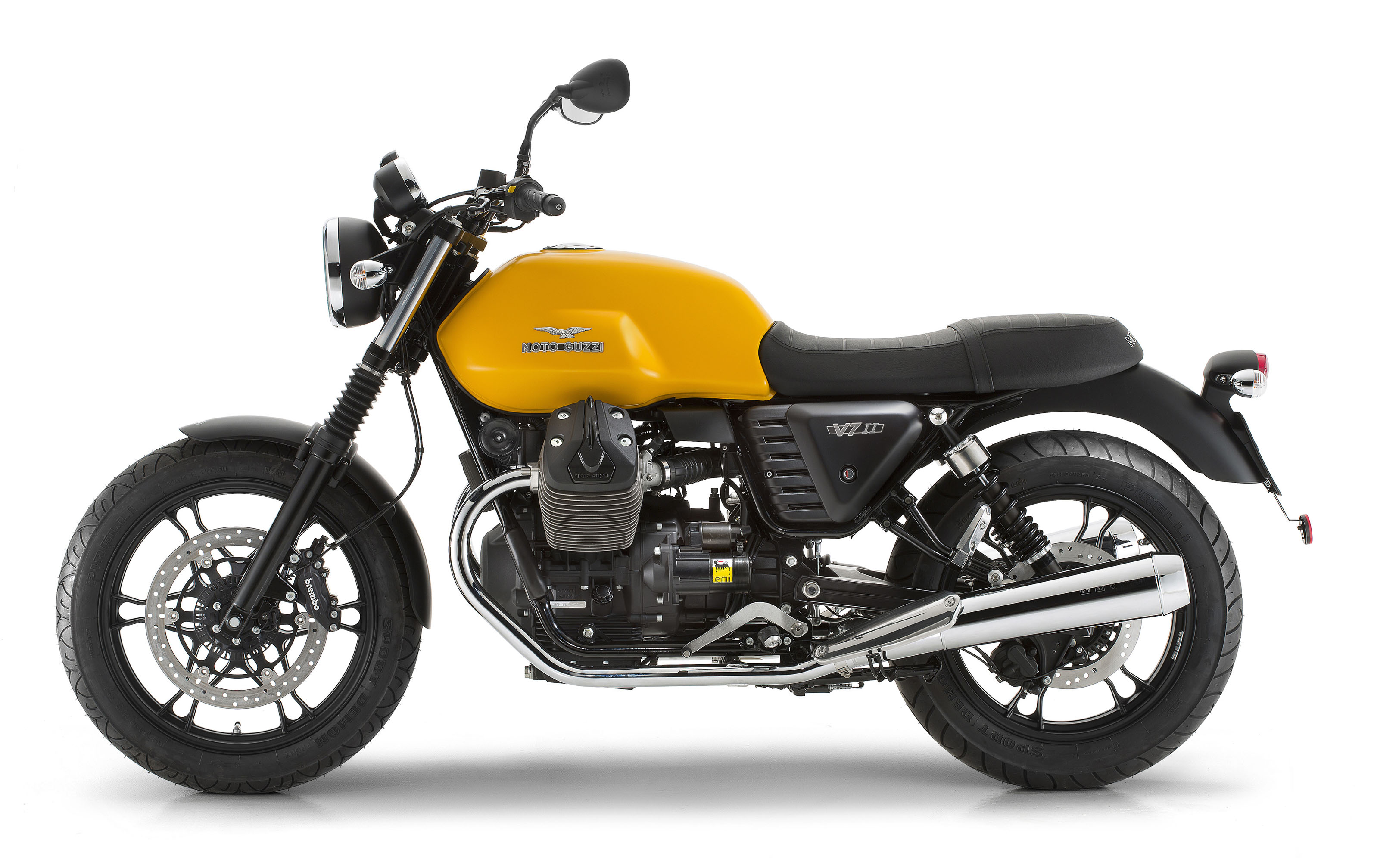 Revealed: New Moto Guzzi V7 with traction control and ABS