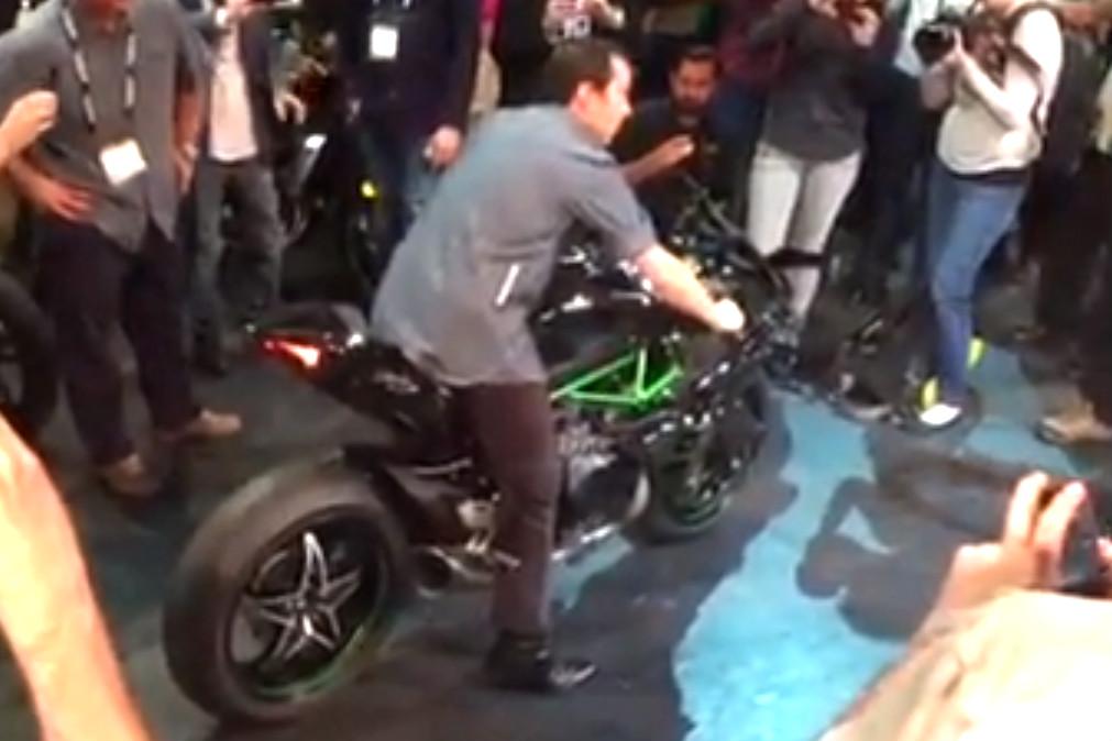 Kawasaki Ninja H2R revving on stage