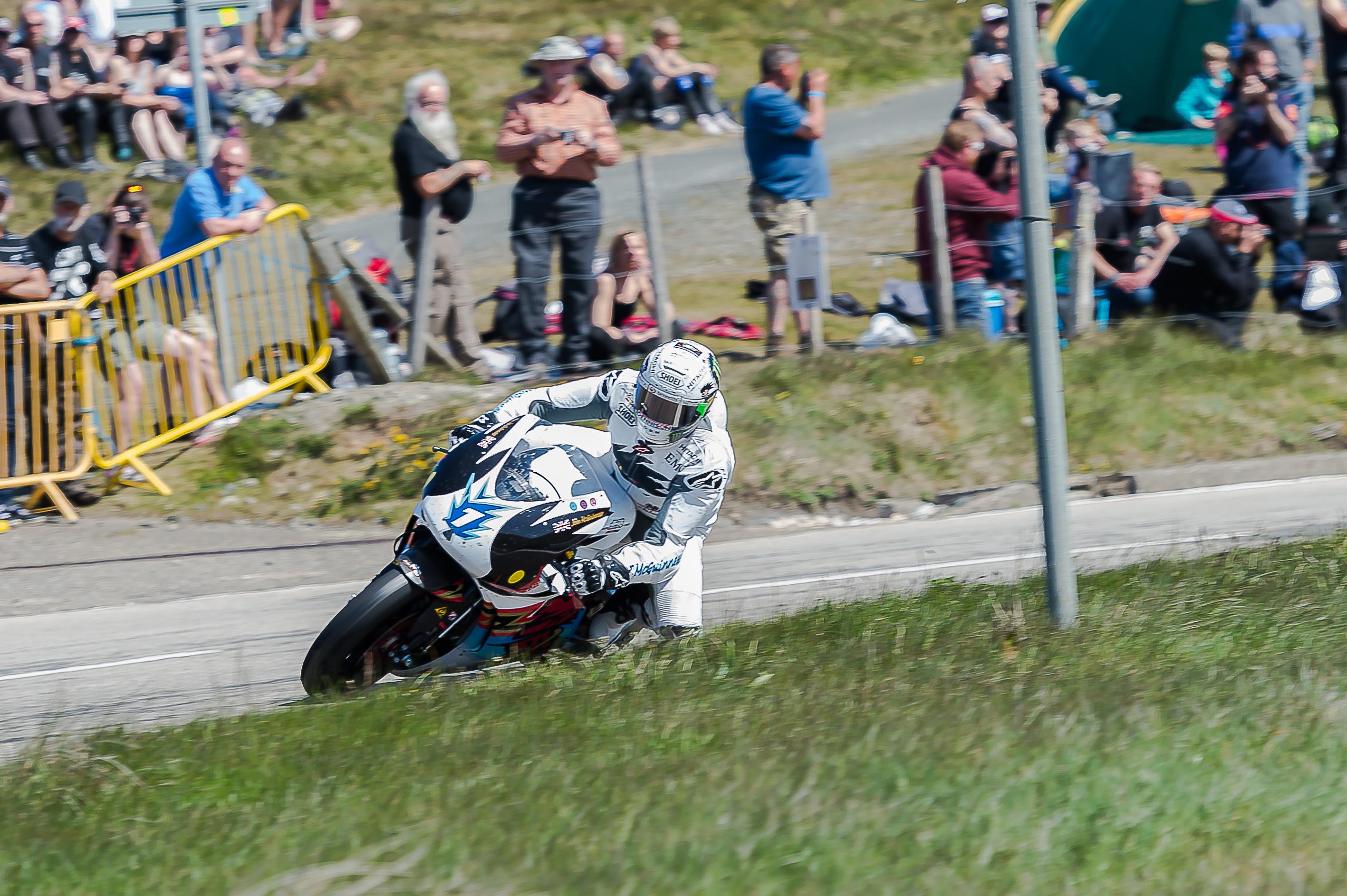 McGuinness wins 22nd TT in TT Zero race