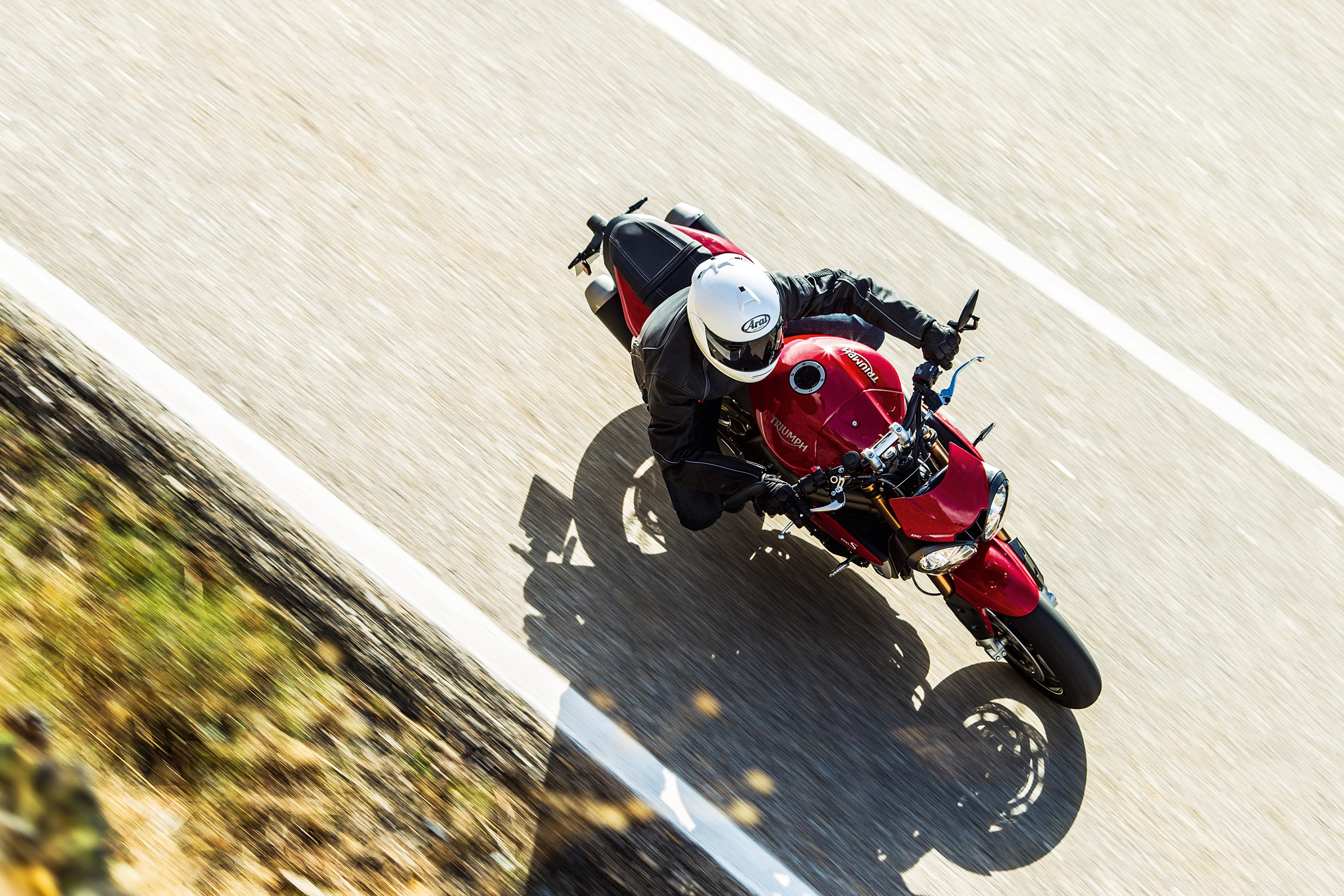 Here's the new Triumph Speed Triple in action