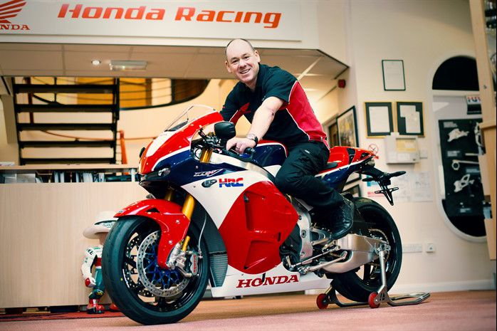 UK customer is first in the world to collect Honda RC213V-S