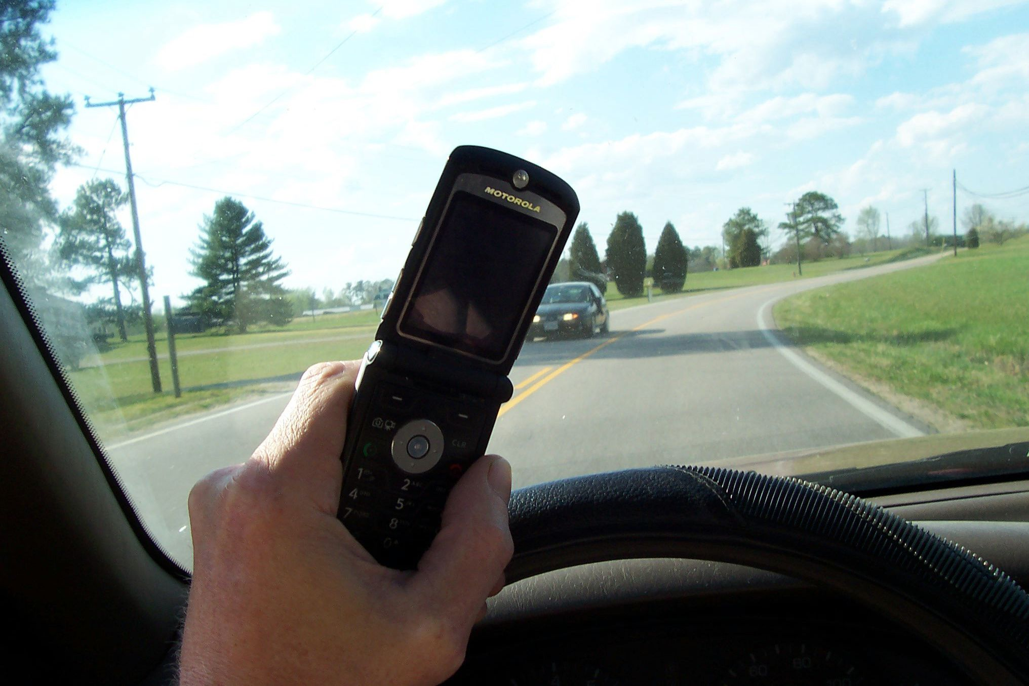 DfT begins consultation on increased penalties for drivers using mobile phones