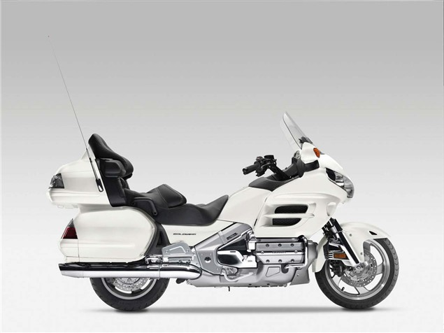 Three new colours for Goldwing in 2010