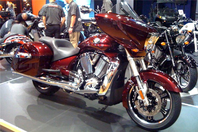 Milan Show: 2010 Victory Cross Country