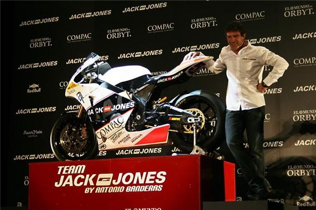 Moto2: Banderas unveils new Jack and Jones squad