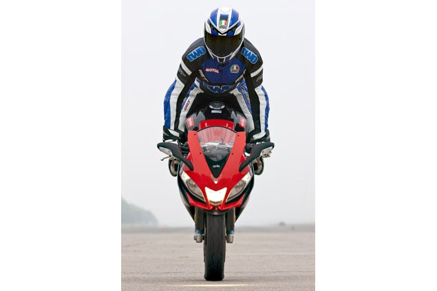 Whitham's reet good guide to doing a stoppie