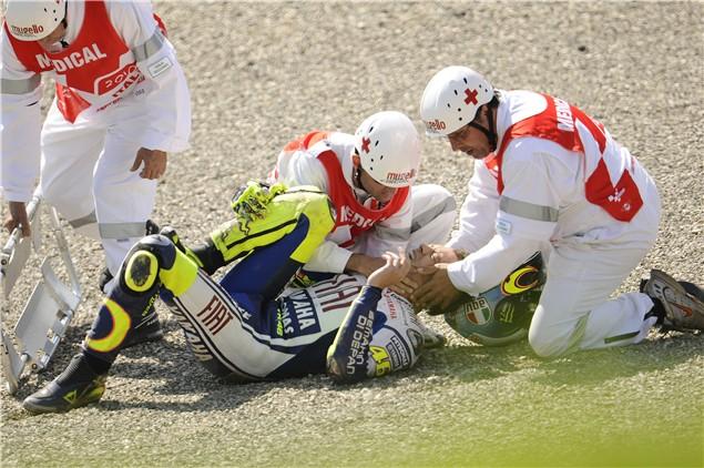 Rossi breaks leg at Mugello