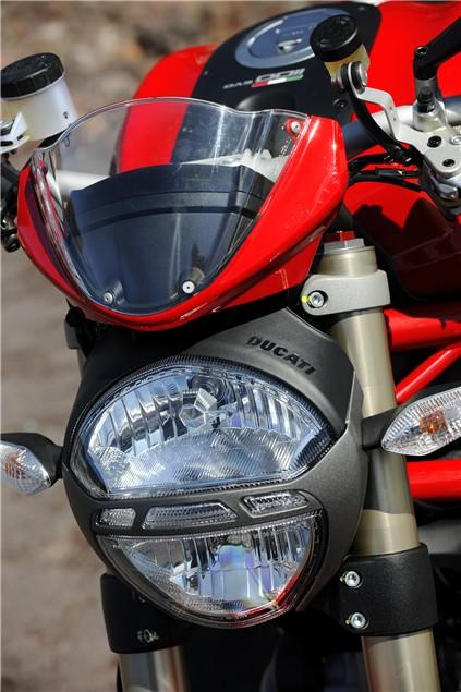 Detail pics: Ducati Monster 1100 Evo