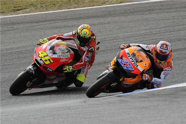 Rossi vs Stoner. The battle continues...