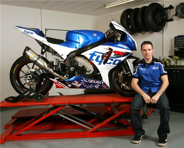 Seeley back in BSB with Tyco Suzuki