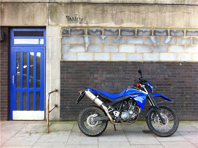 Yamaha XT660 in the city