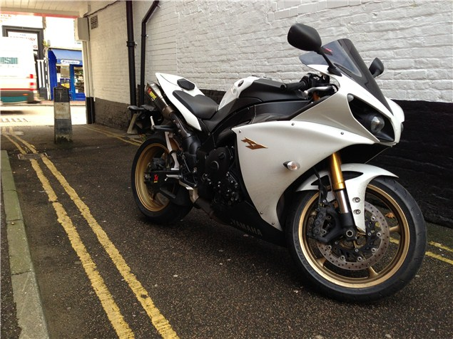 Yamaha R1: Is it any good as a commuter?