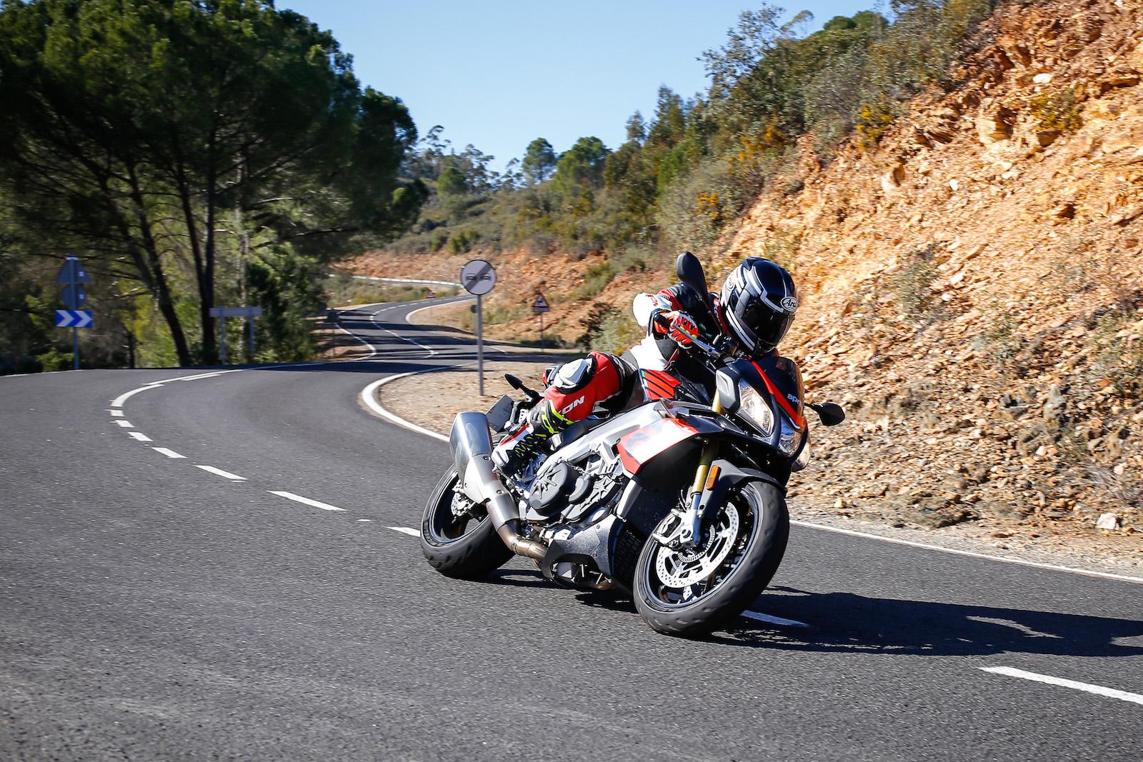 Michelin Road 5 Tuono V4 on road