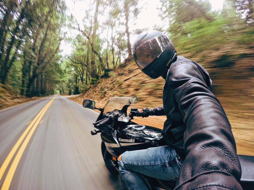 селфи на мотоцикле картинки заехали пути дольмены