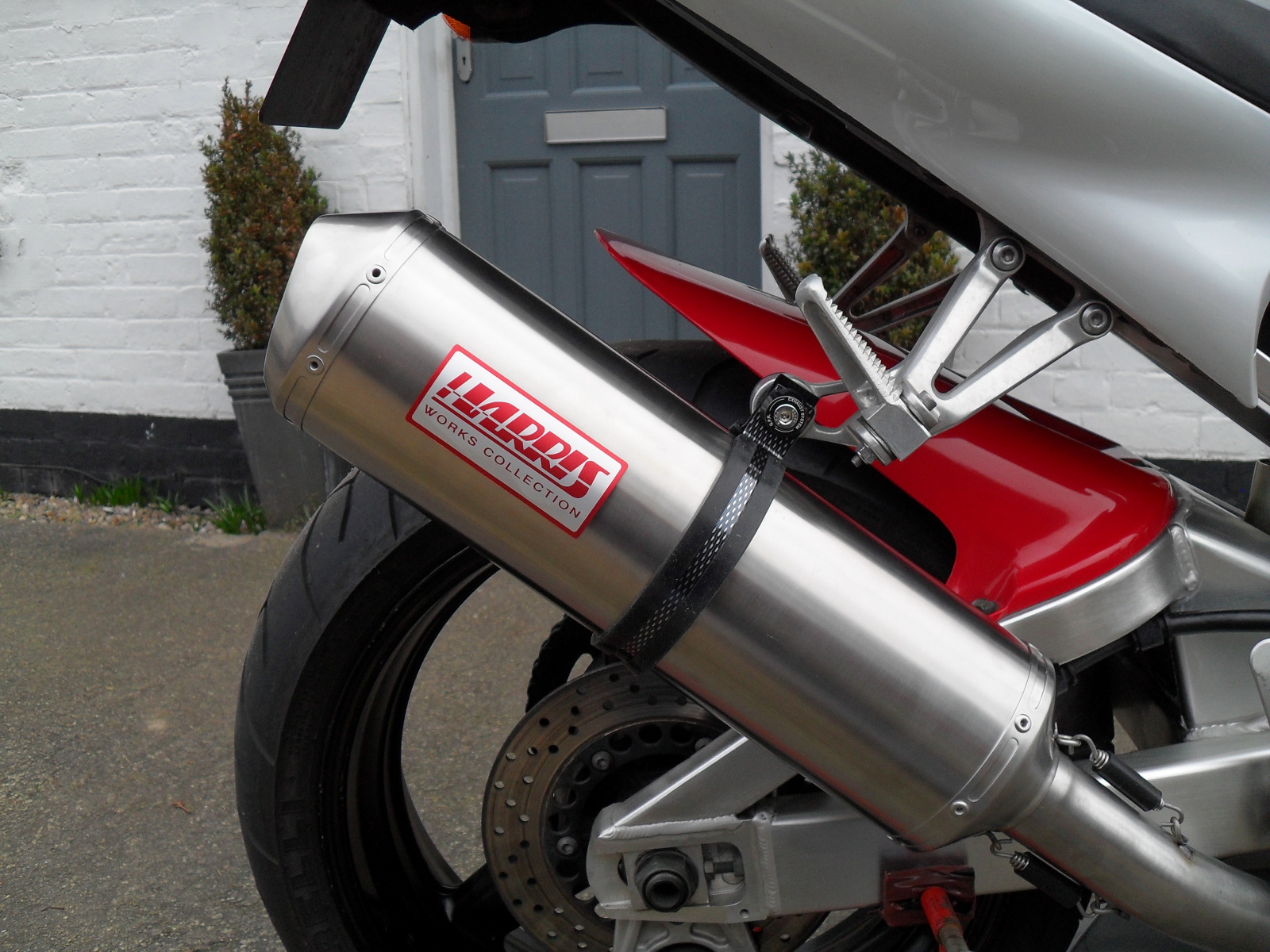 Harris Works Collection exhaust for Yamaha R1