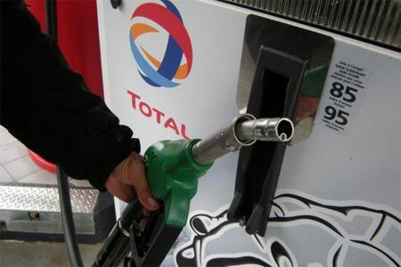 Заправочные станции Великобритании в этом году начнут продавать топливо E10