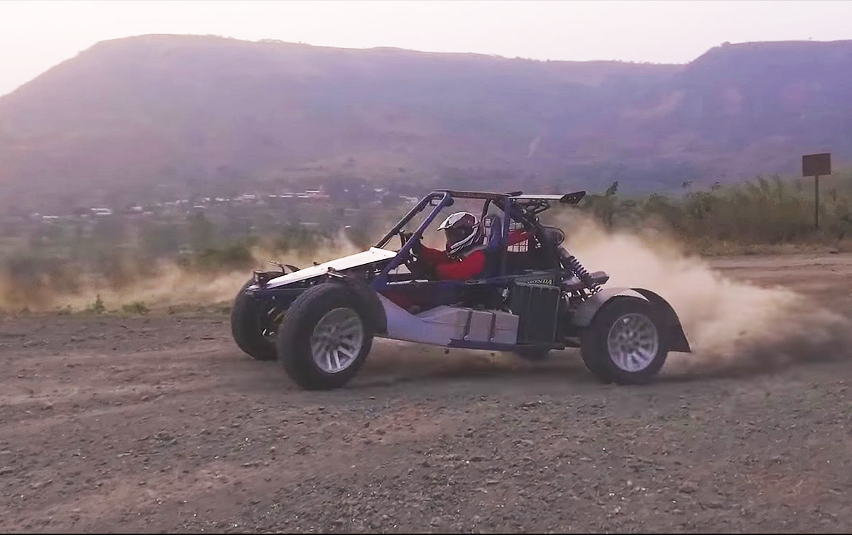 Ex-motocrosser builds Fireblade-engined superbuggy