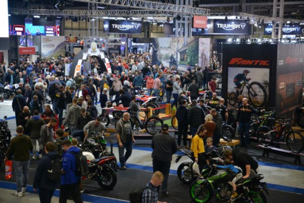 Падение новых регистрационных номеров    Мотоциклетные события — ответ?