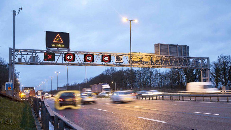 Умные автострады вызывают все больше критики со стороны начальника полиции