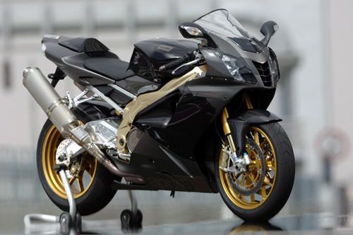 First Ride: 2006 Aprilia RSV1000 Mille review