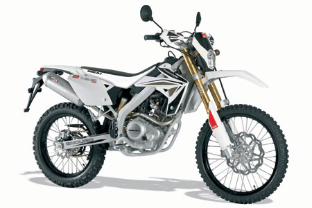 leaner, rieju sm125 road test Visordown Motorcycle News